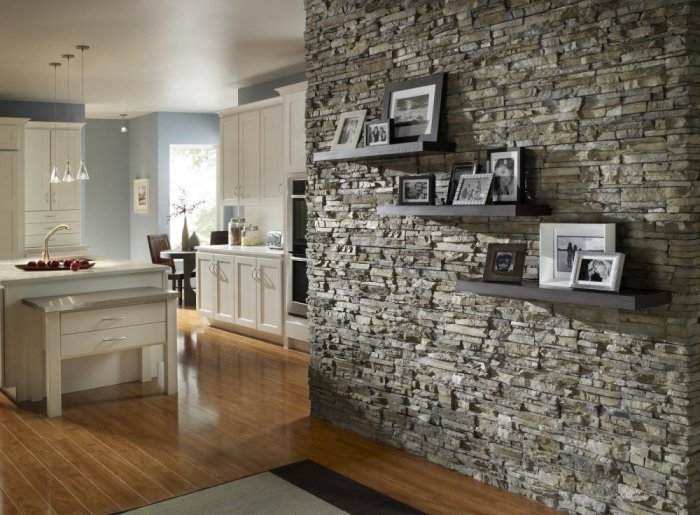 الحوائط الحجرية للديكور الداخلي حائط-حجري-رمادي-بأرف