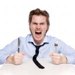 أسباب الإصابة بصداع الجوع