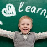 كيفية مساعدة الطفل على تقبل الدراسة في أول عام دراسي