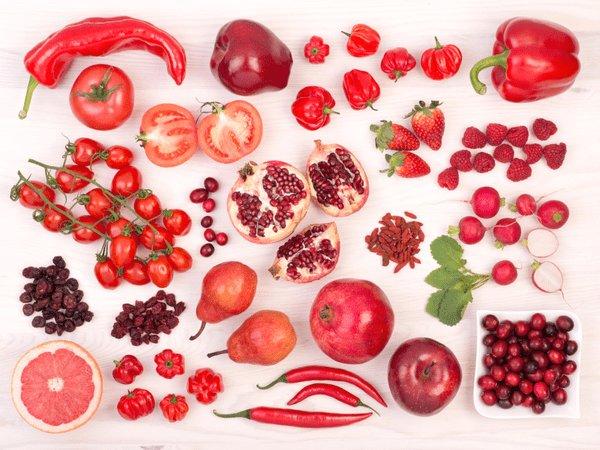 أهمية الخضروات والفاكهة باللون الأحمر في النظام الغذائي | المرسال
