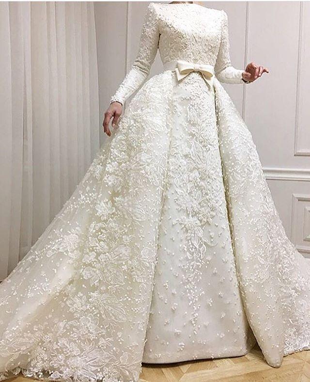 فستان زفاف للمحجبات بتطريز كامل