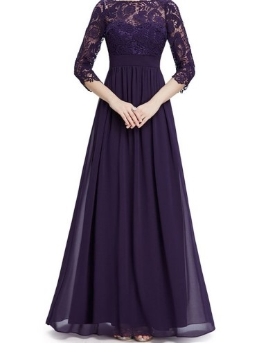 فستان طويل باللون بنفسجي