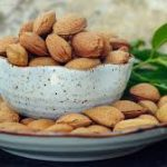 استخدام اللوز والبابونج لعلاج التهابات المبايض
