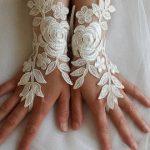تصاميم أكثر رقة لقفازات عروس العيد