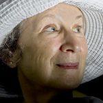 السيرة الذاتية للكاتبة مارغريت آتوود