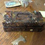 أغرب الأشياء التي عثر عليها مدفونة بحدائق المنازل