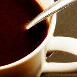 العلاقة بين القهوة وترقق العظام