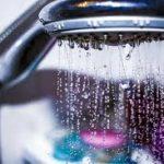 10 فوائد من الاستحمام صباحا