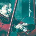 كيفية تعليم الطفل على اعطاء الصدقة