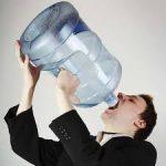 اضرار الافراط في شرب السوائل قبل النوم