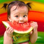 فوائد البطيخ للاطفال والوقت المناسب لإطعامه الرضيع
