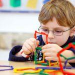 اعراض اضطراب الطيف التوحدي على الاطفال