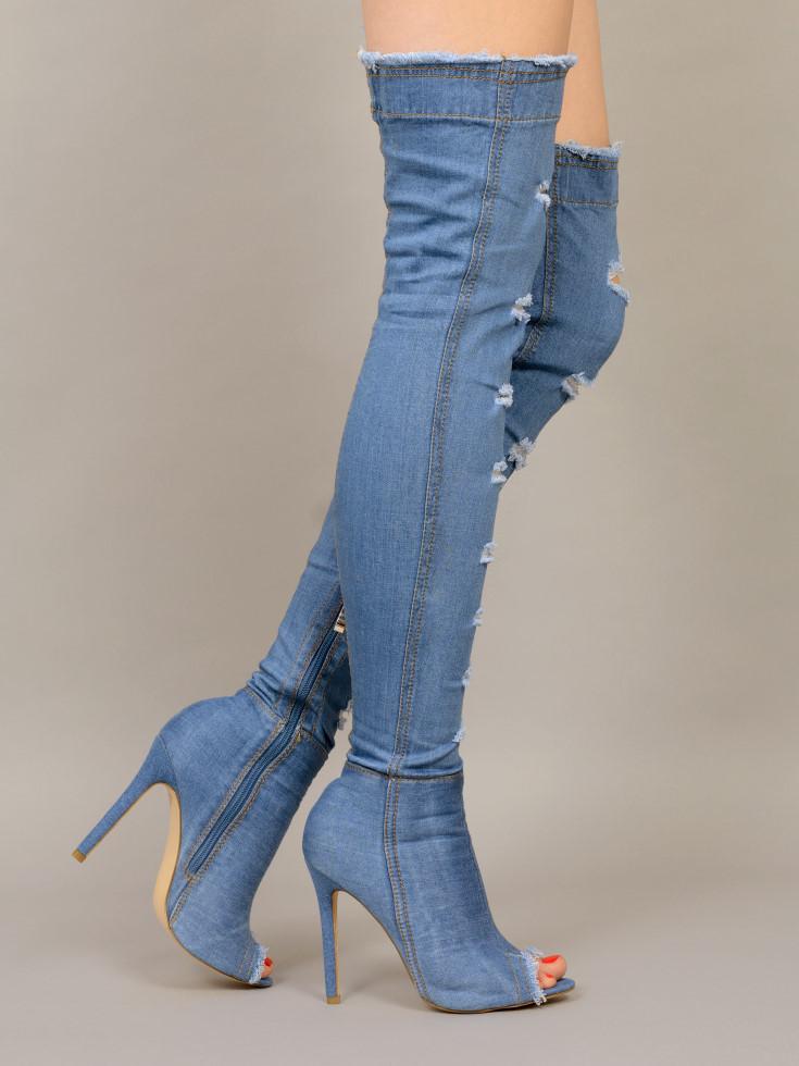 حذاء جينز برقبة
