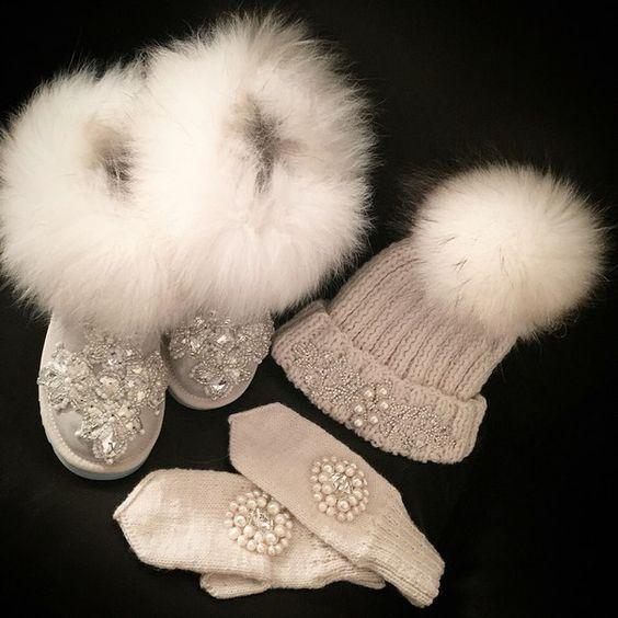 احذية سوارية للفتيات الصغيرات حذاء-لامع-بيج.jpg