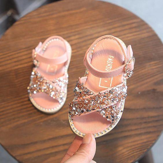 احذية سوارية للفتيات الصغيرات حذاء-لامع-سيمون.jpg