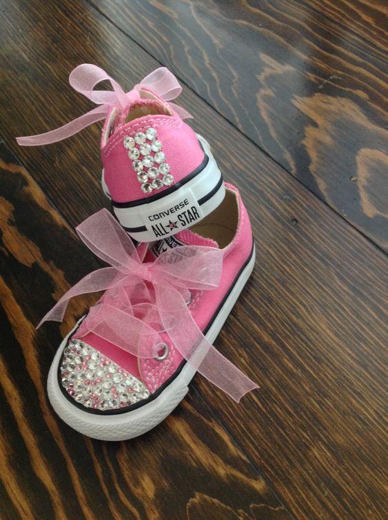 احذية سوارية للفتيات الصغيرات حذاء-لامع-فوشيا.jpg