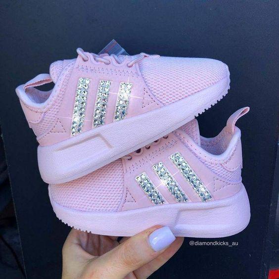 احذية سوارية للفتيات الصغيرات حذاء-لامع-وردي.jpg