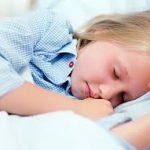 كيفية بناء الثقة للطفل الذي يعاني من التبول اللاإرادي