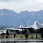 """تقرير للتعريف بـ """" طائرة اف 22 المقاتلة """" f-22 raptor"""