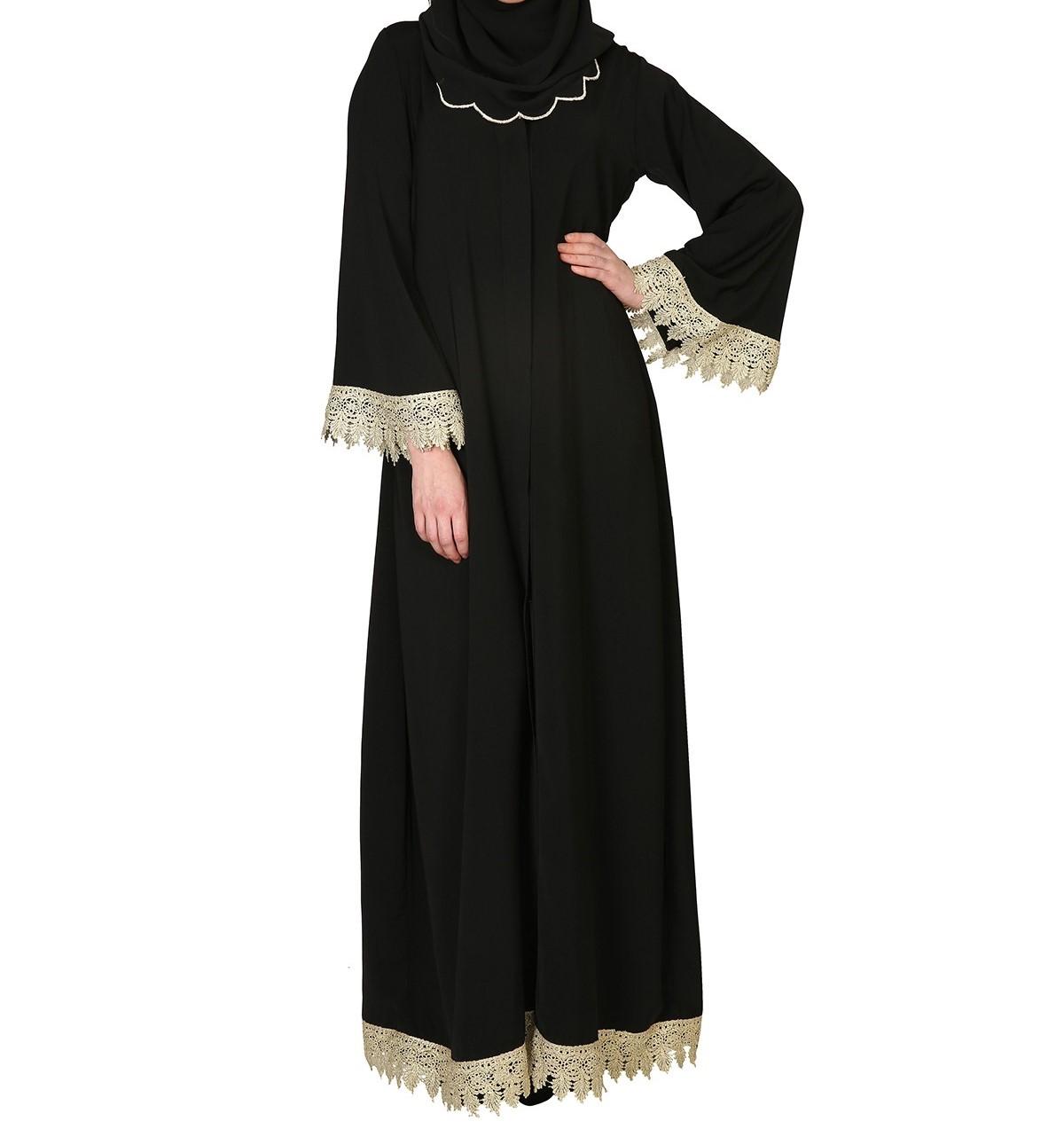e35c10dd90581 العبايات السوداء بتصاميم مميزة لامرأة أكثر جاذبية