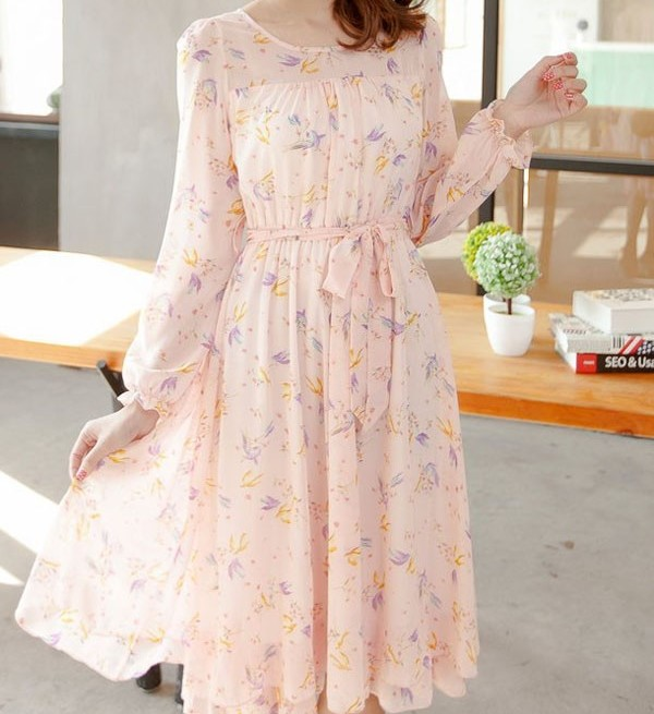 فستان وردي شيفون