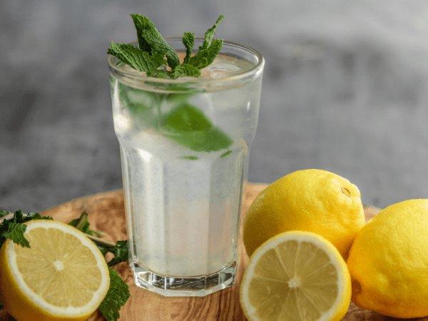طريقة تحضير واستهلاك ماء الليمون البارد لإنقاص الوزن المرسال