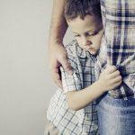 الاسلوب الصحيح في تربية الطفل المنطوي