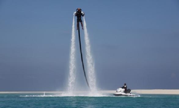 فورسيزونز المالديف الرياضات-المائية-في-