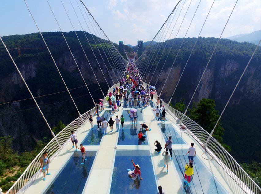 الزجاجي السياحة-في-جسر-الصين