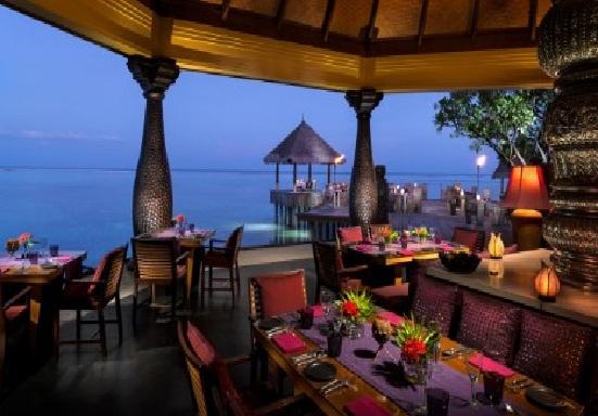 فورسيزونز المالديف المطاعم-في-منتجع-فور