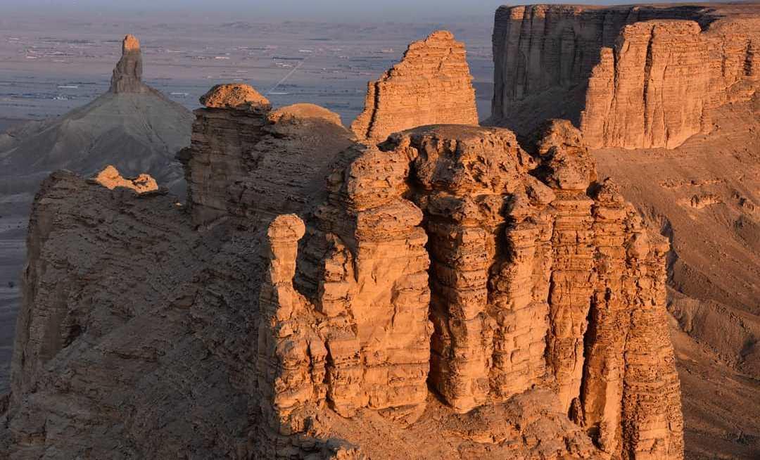 ماذا تعرف عن جبل طويق قلب إقليم اليمامة التاريخي المرسال