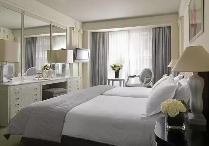 فندق-اثينا-بلازا.png