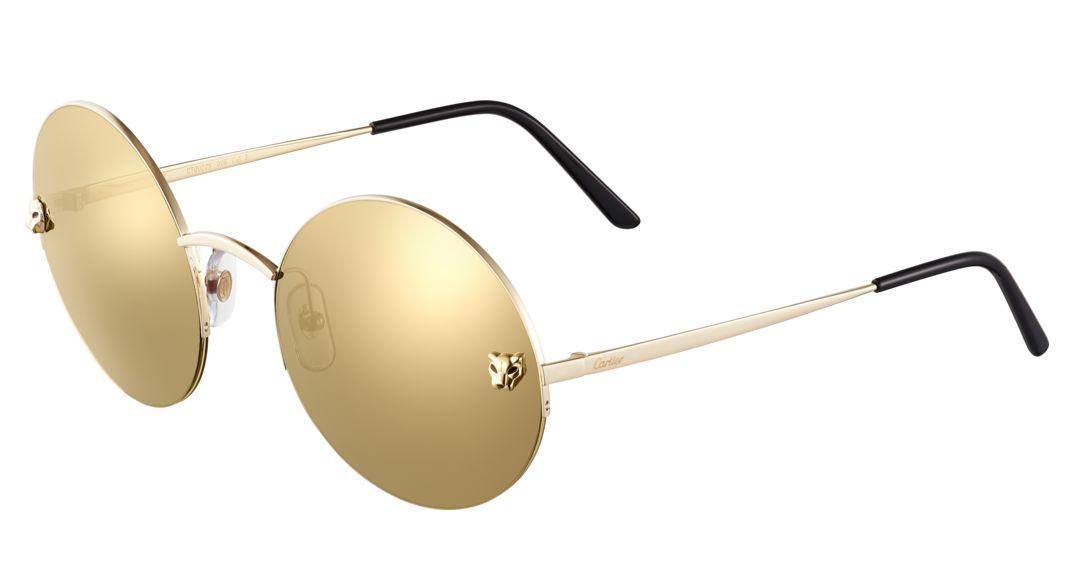 9c98004e8 ... ومرقطة بطلاء اللّكر الأسود ، وهي تتميز بتصميمها الدائري الشكل وعدساتها  التي تأتي بالون الذهبي العاكس كالمرآة ، وعدساتها واقية للشمس من الدرجة  الثالثة .