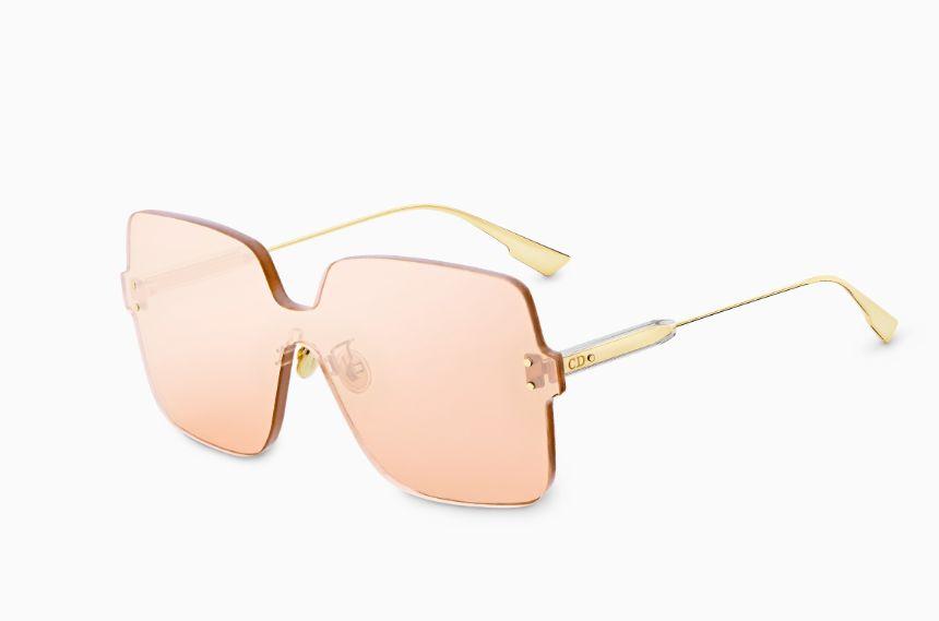 58885e507 ... ذات حماية 100٪ من الأشعة فوق البنفسجية ، أما أذرع النظارة فهي معدنية  ذات لون ذهبي ، ويتضمن هذا النوع ألوان أخرى للعدسات منها الأصفر والأزرق  والرصاصي .
