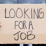 أسباب تجعلك تترك اللهو في الأجازات لتبحث عن وظيفة