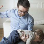 أطباء الأطفال يطالبون بوقف الضرب على الأرداف