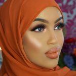 اختيار حجابك حسب لون بشرتك