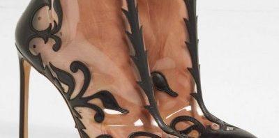 4fb7182059445 أحذية البلاستيك موضة غريبة اكتشفيها بالصور