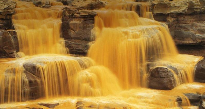 شلال هوكو الأصفر