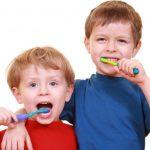 كيف أعتني بأسنان طفلي