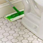 ما الأسباب التي تؤدي للانزلاق في الحمام