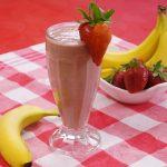 فوائد الموز والفراولة