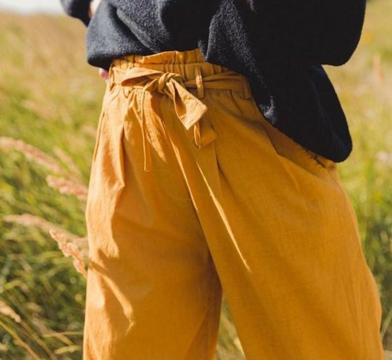 اللون الأصفر الخردلي يتربع موضة