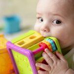 الاهتمام بنظافة لعب الاطفال
