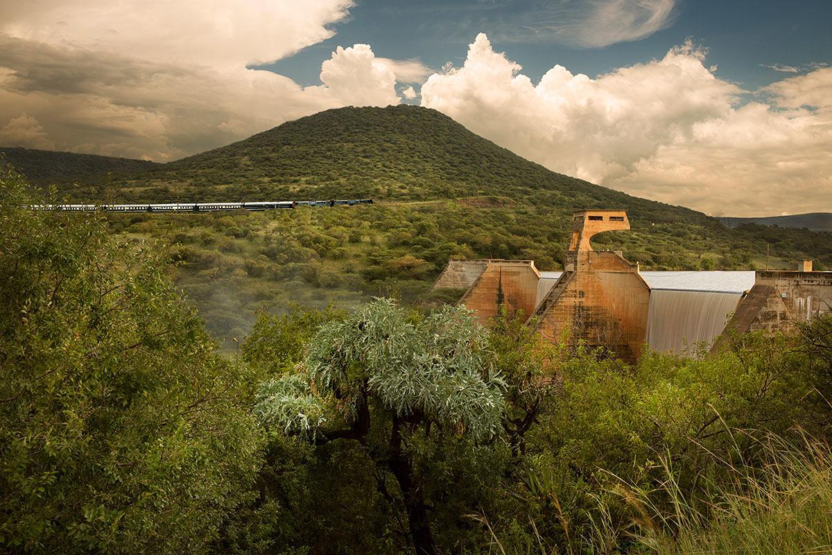أفضل رحلات السفاري الإفريقية السفاري-من-كيب-تاون-إلى-تنزانيا-وزنجبار-عن-طريق-السكك-الحديدية.jpg