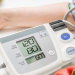 علاقة ضغط الدم بالسن