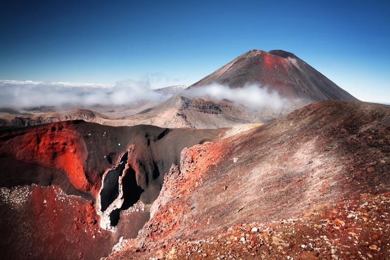 أفضل 10 مناطق للجذب السياحي في نيوزيلندا Tongariro-Alpine-Crossing