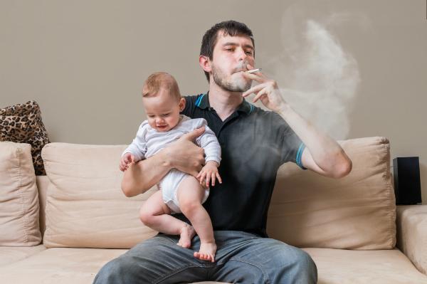 أثر التدخين في تلويث البيئة المنزلية المرسال