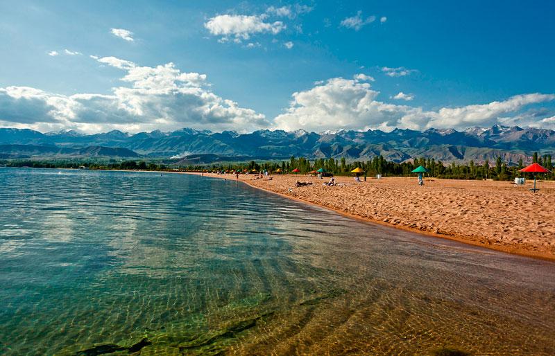 السياحة قرغيزستان بحيرة-1.jpg