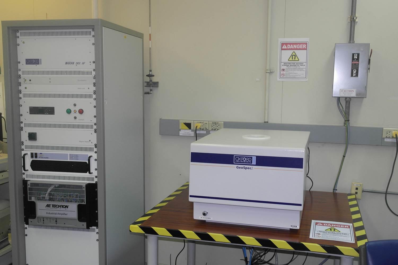 اسماء ادوات المختبر مع الصور المرسال